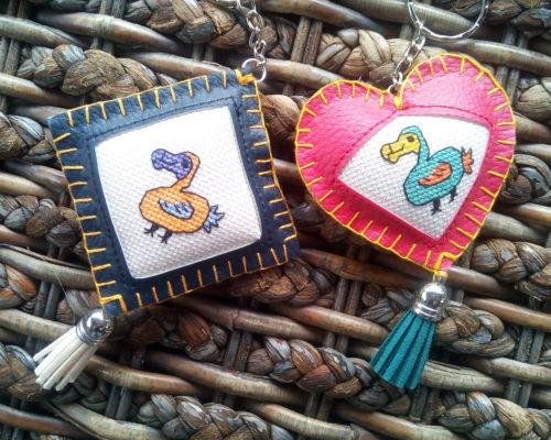 porte-clés brodé dodo